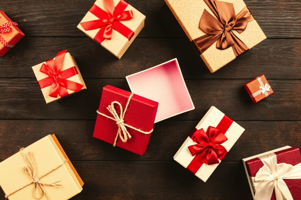 how to do a pollyanna gift exchange