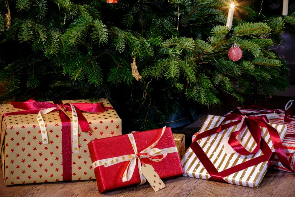 games to play at christmas parties for gift exchange